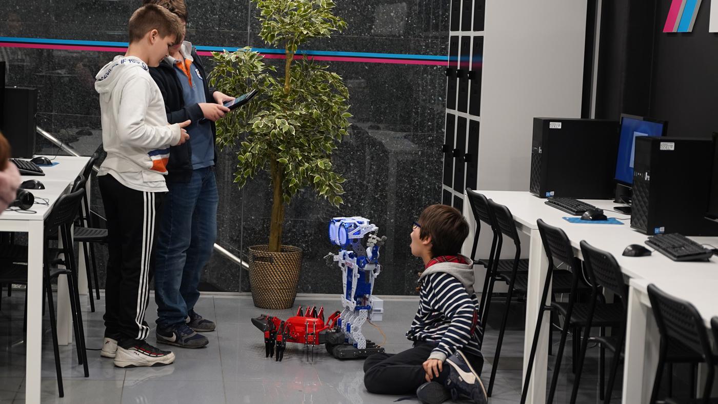 Assembly Escola de Tecnologia para Futuros
